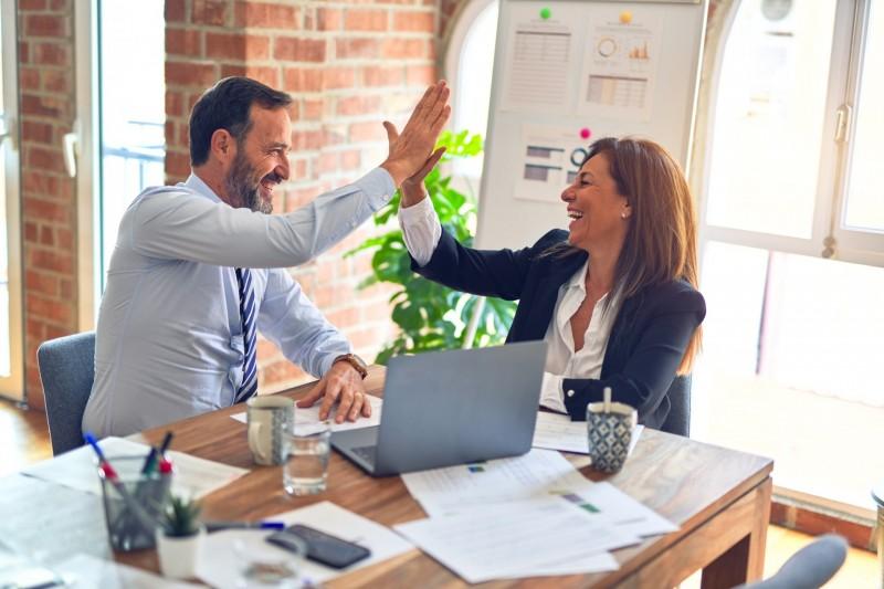 Ce să faci dacă vrei să te gândești la o reconversie profesională – pașii sănătoși pentru o schimbare de carieră